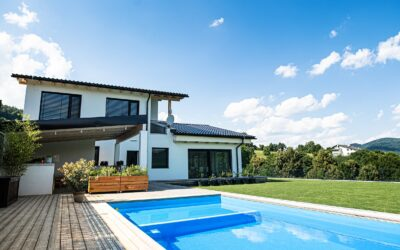 6 Things to Consider When Buying a House with a Pool